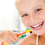 Çocukların Dişlerini Beyazlatmak Ne Kadar Güvenli?