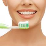Dişlerinizi Yemekten Önce Mi, Yoksa Sonra Mı Fırçalamalısınız?