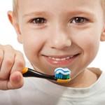 Çocuğunuzun Dişlerini Fırçalaması İçin 8 Tüyo