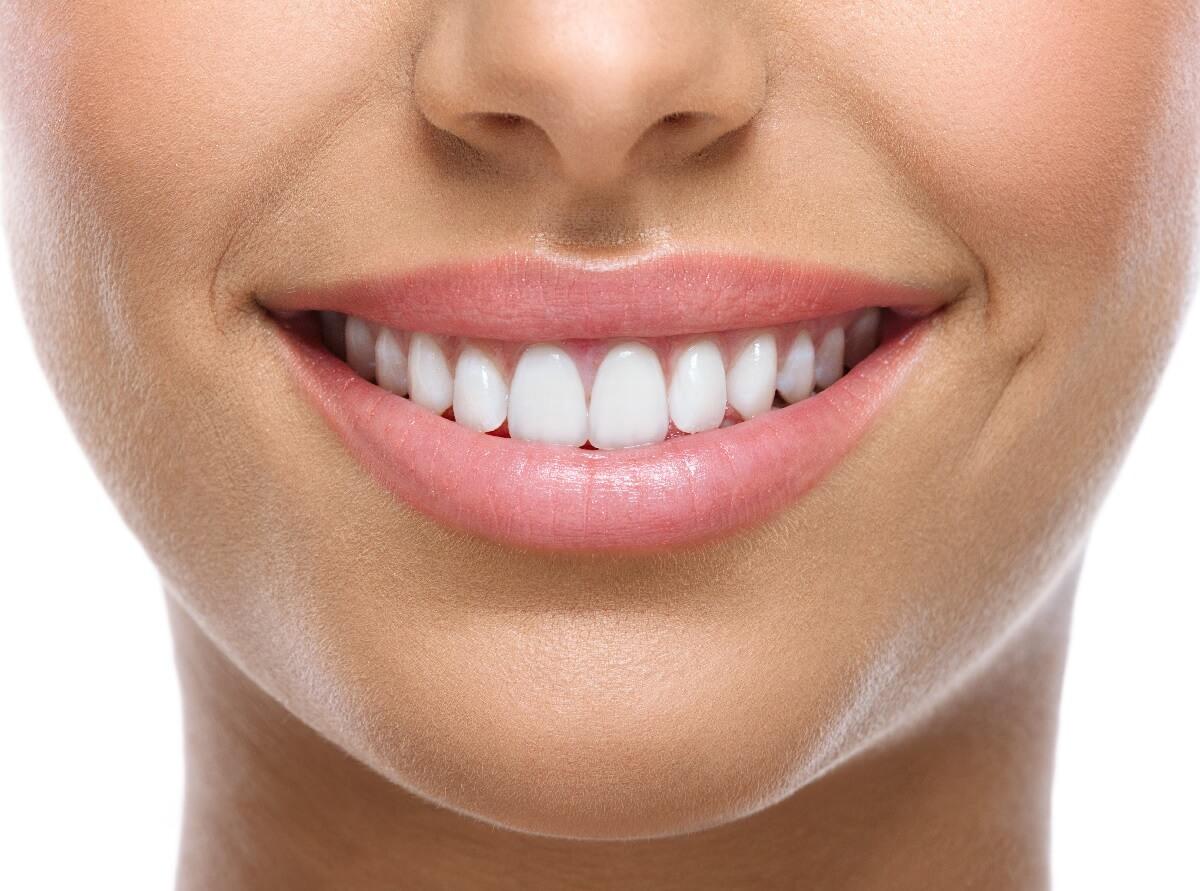 Dişlerinizi böyle beyazlatabilirsiniz