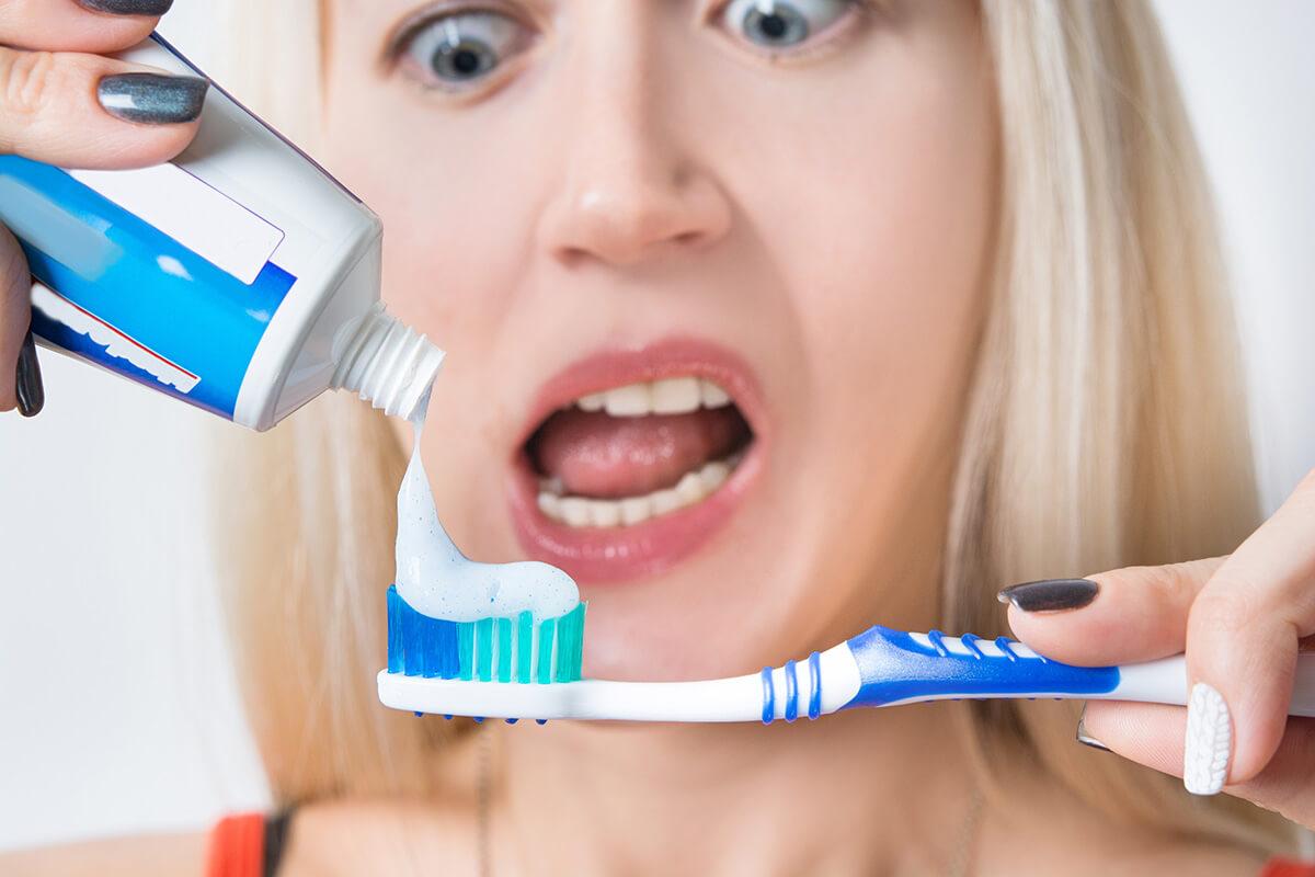 Diş Macunu Lekesi Nasıl Çıkar