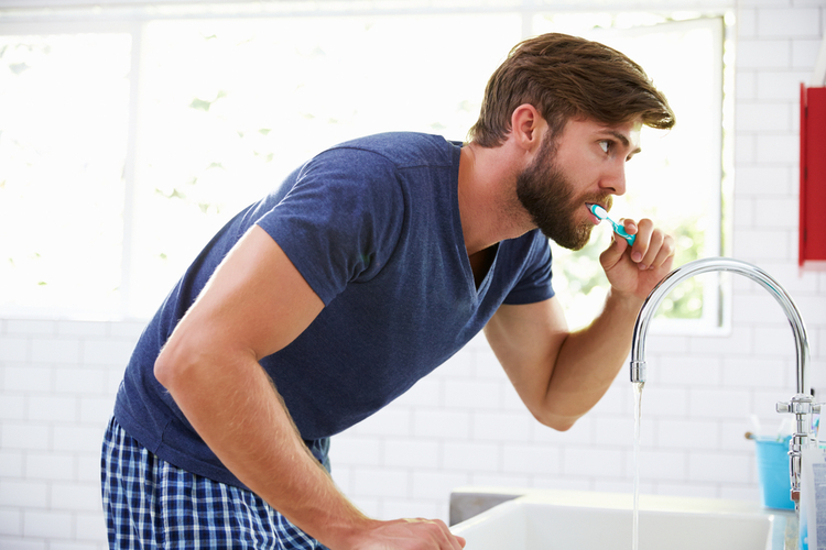 Agresif Diş Fırçalama