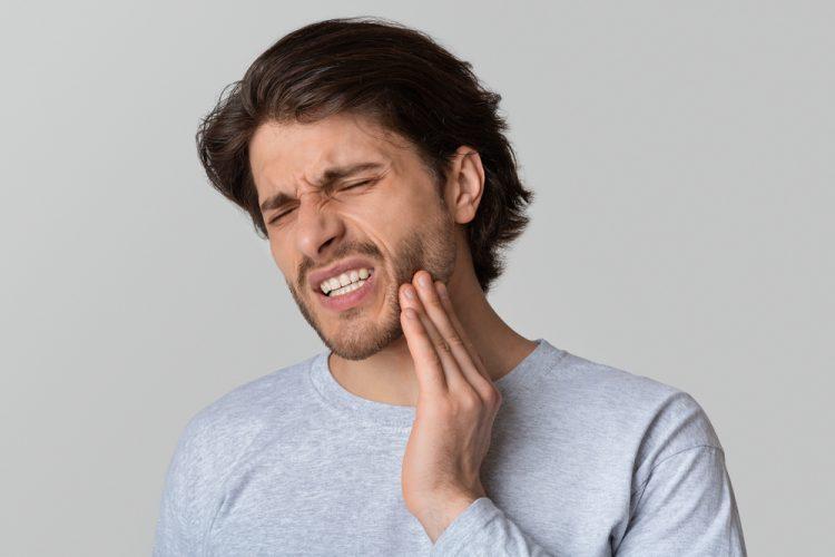 Antibiyotikler ve Diş Enfeksiyonları Hakkında Bilinmesi Gerekenler